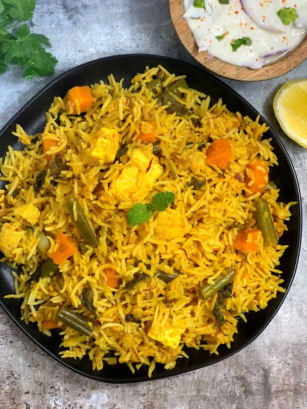 veg biryani in cooker